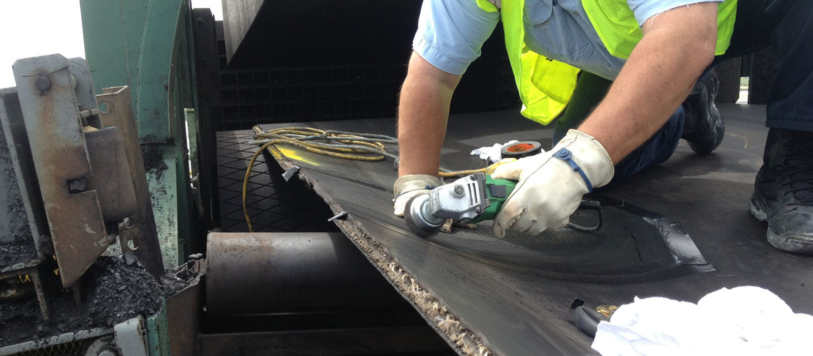 Conveyor Belt Tensioning 101 | Sparks Belting