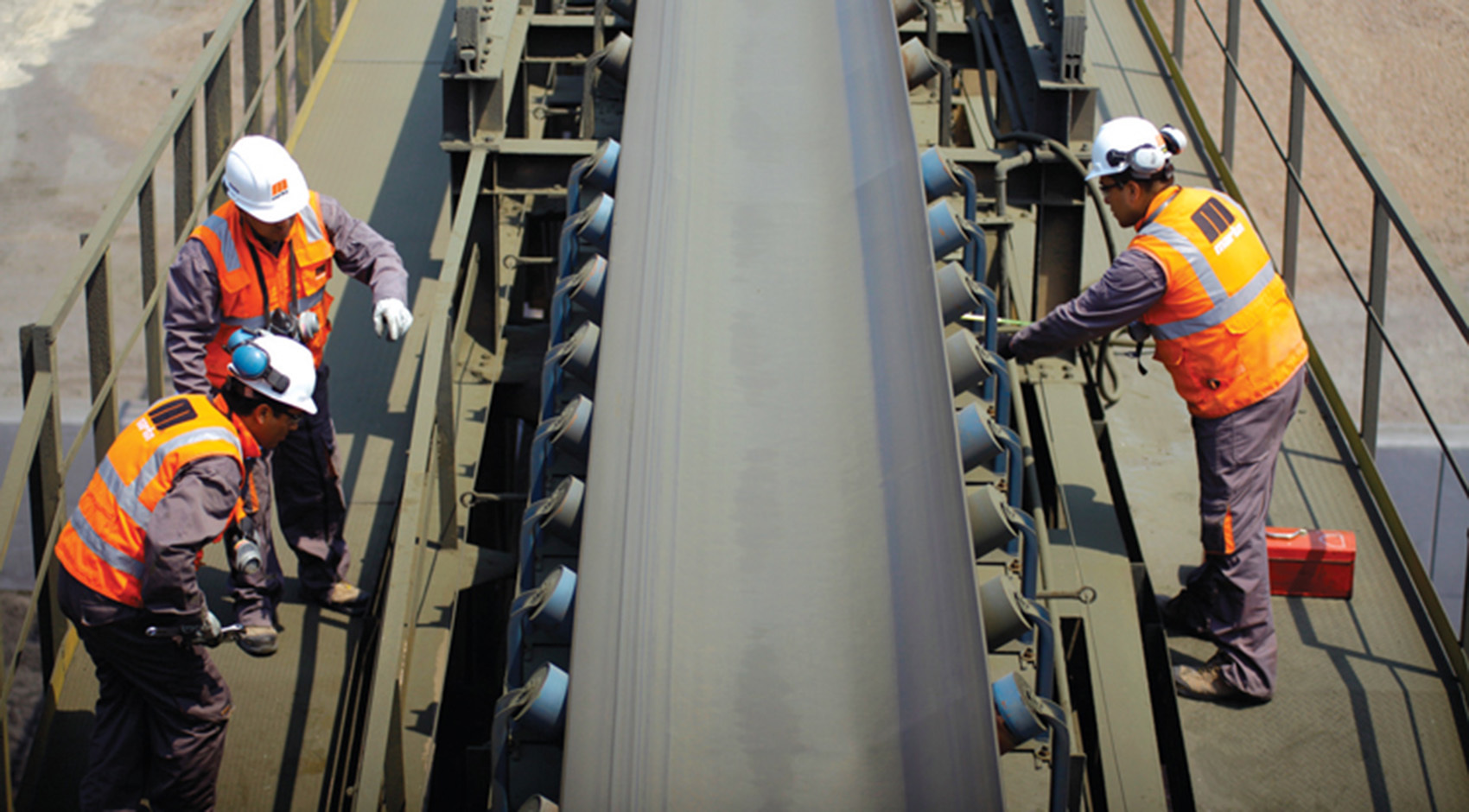 5 Questions To Ask Before A Conveyor Belt Repair Sparks